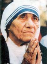 Madre Teresa prega