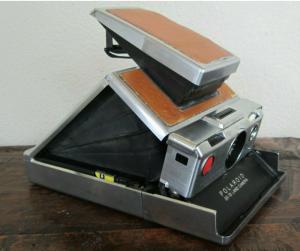 polaroid-sx-70-aperta